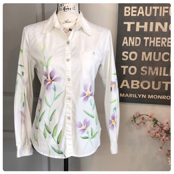 Chico's Tops - 💕Stunning Water Color Floral Chico's Shirt💕